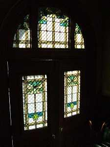 裏口のステンドグラス