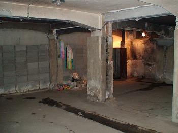 旧燃料会館地下室