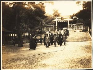 藤島神社の昭和天皇
