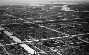 東京大空襲直後の下町