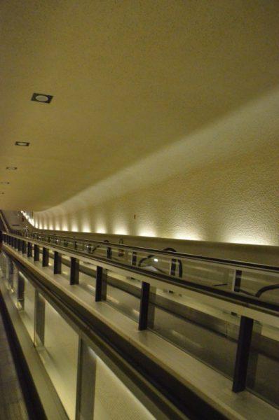 シャルル・ドゴール空港第一ターミナル 地下トンネル