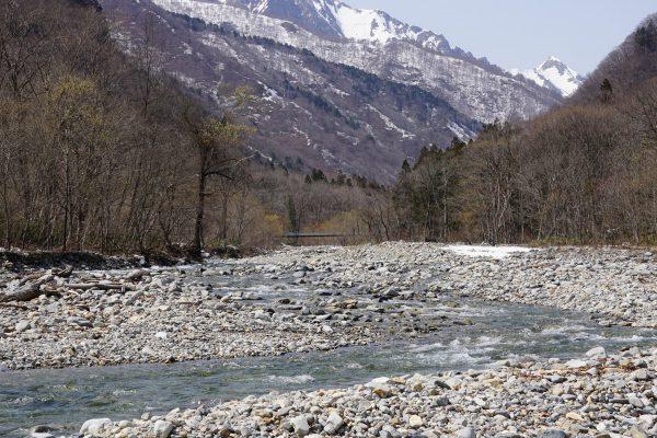 湯檜曽川から谷川岳方面